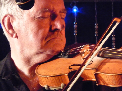 Legendary Donegal fiddler Tommy Peoples comes to Kent.