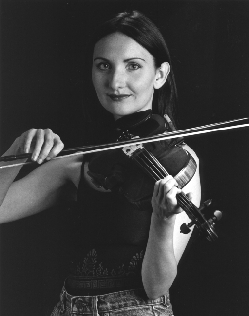 Ramona Egle - Excellent Celtic and World fiddle and whistle